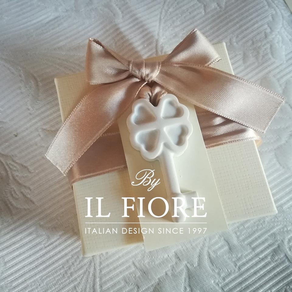 Bomboniere Matrimonio scatola portaconfetti con chiavi thumb cover