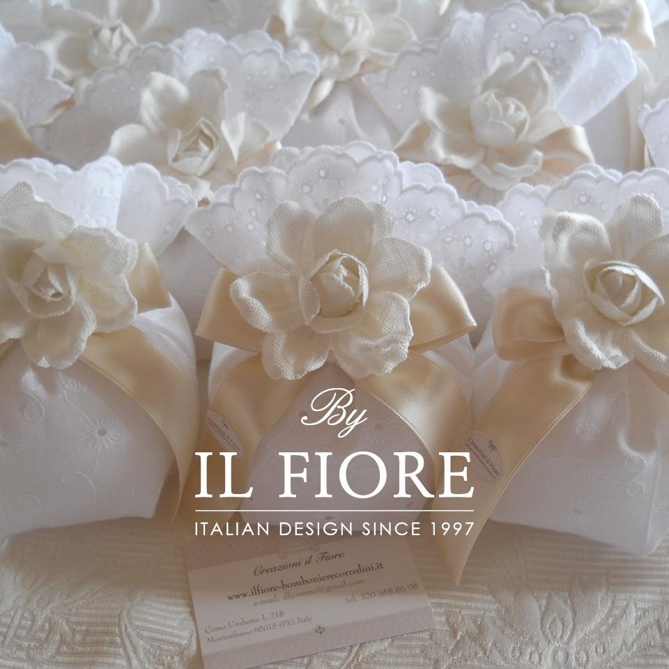 Bomboniere Matrimonio Comunione e Cresima Sacchetto Sangallo con fiore thumb cover