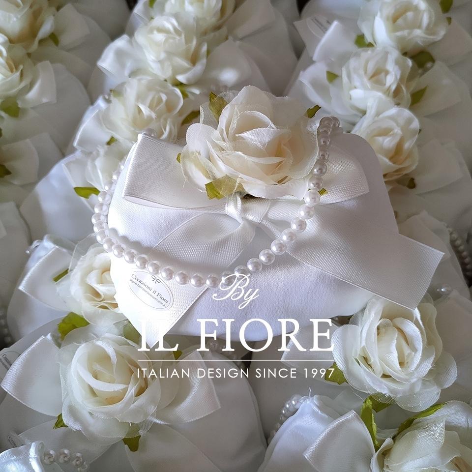 Bomboniere Cresima Sacchetto Portaconfetti borsetta con perline e fiore thumb cover
