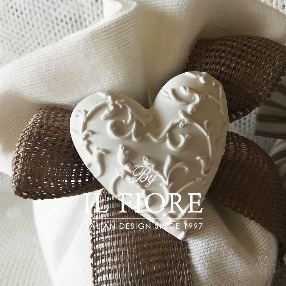 Bomboniera bon bon Odette - Cuore in cotone bianco thumb