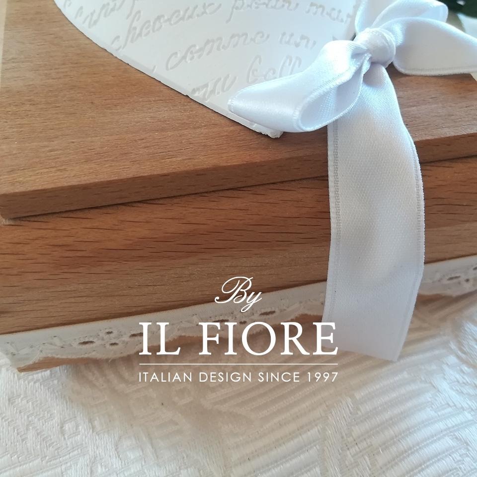 Bomboniera Comunione scatola in legno con Cuore 010
