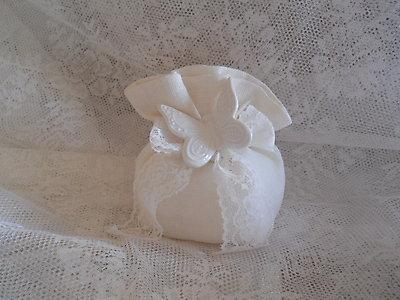 Bomboniera sacchetto in lino con farfalla in ceramica cod. R13
