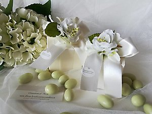 Bomboniera scatoline porta confetti con fiori cod 43R