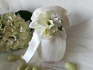 Bomboniera sacchetto in lino con ortensie per matrimonio comunione e cresime cod. 3R