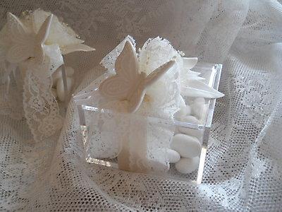 Bomboniera scatola in plexiglass con farfalla in porcellana e fiore cod 22R