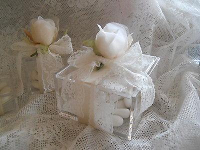 Bomboniera comunione matrimonio cresima scatola in plexiglass con fiore e pizzo cod 7R1-7R2