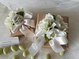 Bomboniera scatole con bouquet fiori ortensie e peonie cod. 9R - 9R1