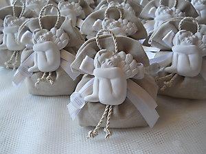 Bomboniera con angelo e sacchetto in lino portaconfetti Cod. 14Z