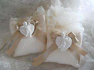 Bomboniera Comunione con angeli e cuore e sacchetto con merletto Cod. 6Z