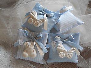 Bomboniere battesimo nascita sacchetti con gessetto orso e carrozzina cod 97a