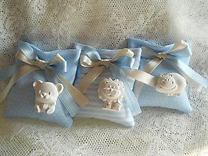 Bomboniera Battesimo nasciata bimbo e bimba con gessetto profumato sacchetto in piquet cod. 133a - 133a1