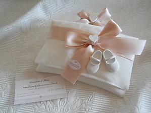 Bomboniera battesimo sacchetto busta con scarpette baby cod. 92B - 92B1