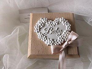 Bomboniera Battesimo nascita scatola portaconfetti con cuore cod. 11B