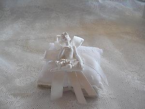 Cuscino con ballerina cod. 64 V