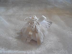 Cuscino in San Gallo con gessetto scarpette danza Cod. 57 V