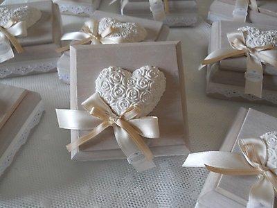 Bomboniera scatola in legno con gessetto cuore  scatola in legno con gessetto cod. 8N 9N