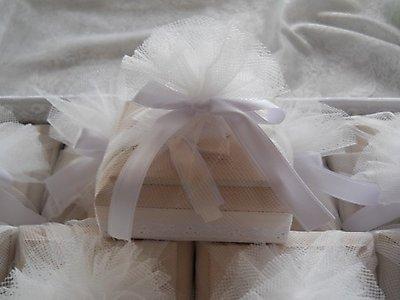 Scatola in legno con confezione tessuto tipo tulle