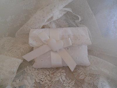 Bomboniere matrimonio comunione cresima busta sacchetto in sangallo con gessetto profumato  cod. 20N