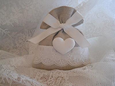 Sacchetto con pizzo Sangallo e gessetto cuore comunione matrimonio cod. 40N