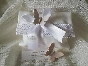 Bomboniera Comunione con farfalla in ceramica e calamita sacchetto busta con merletto cod.81G