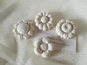 Bomboniere fiori in ceramica  con calamita