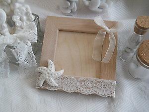 Portafoto in legno con stella marina in ceramica e pizzo cod. 54G