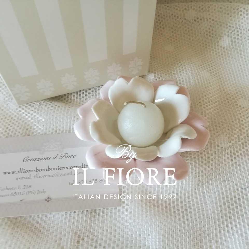 Portacandela in ceramica a forma di fiore