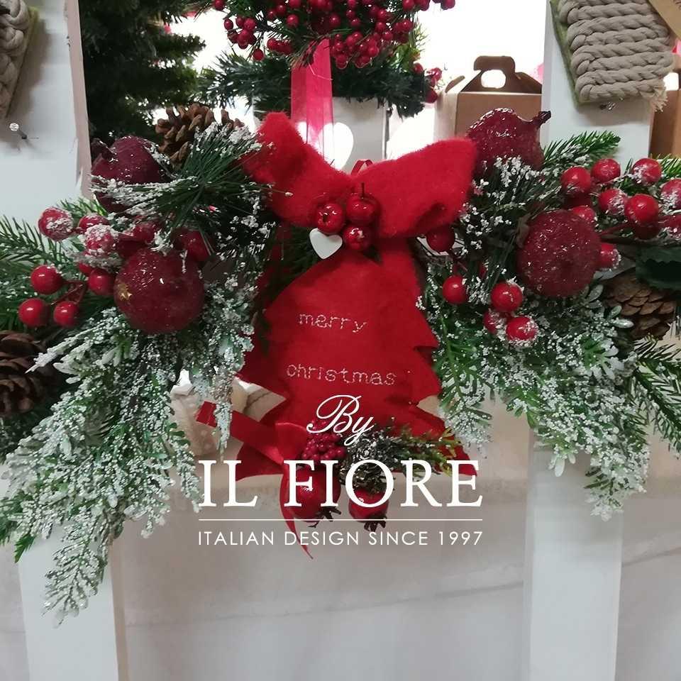 Creazioni Natale Ghirlande Fuoriporta Natalizio in pino con cuore in pannolenci rosso e bacche