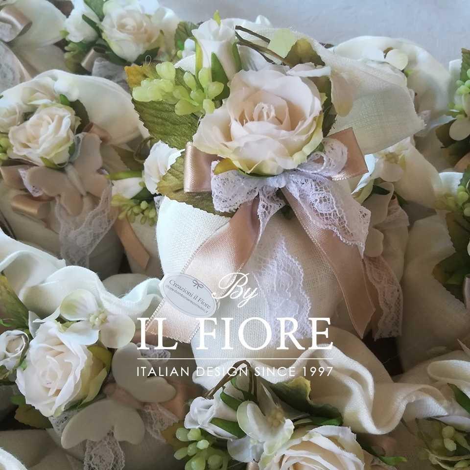 Bomboniera Comunione e Matrimonio sacchetto con fiori e pizzo