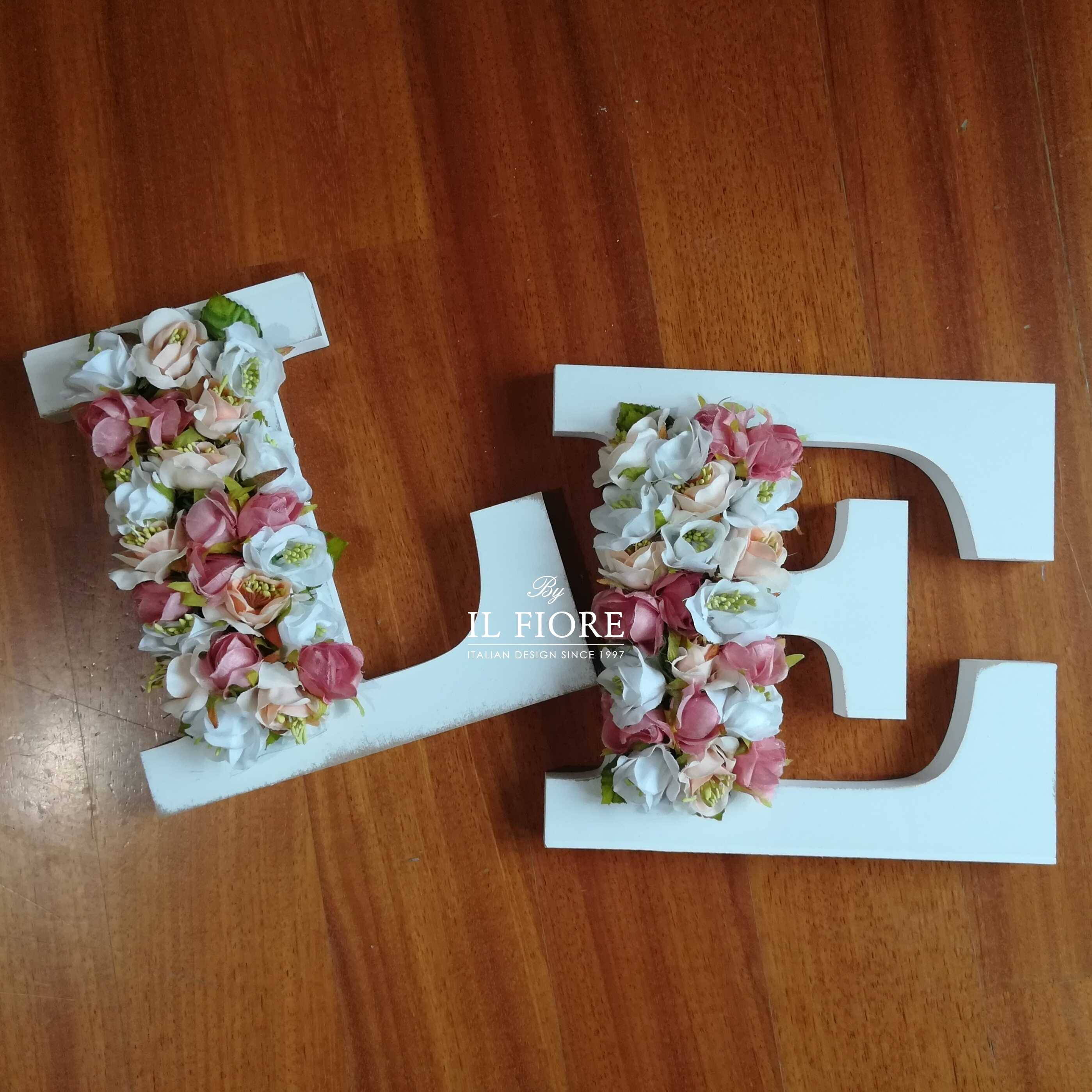 Bomboniere lettere personalizzabili con fiori - fuoriporta