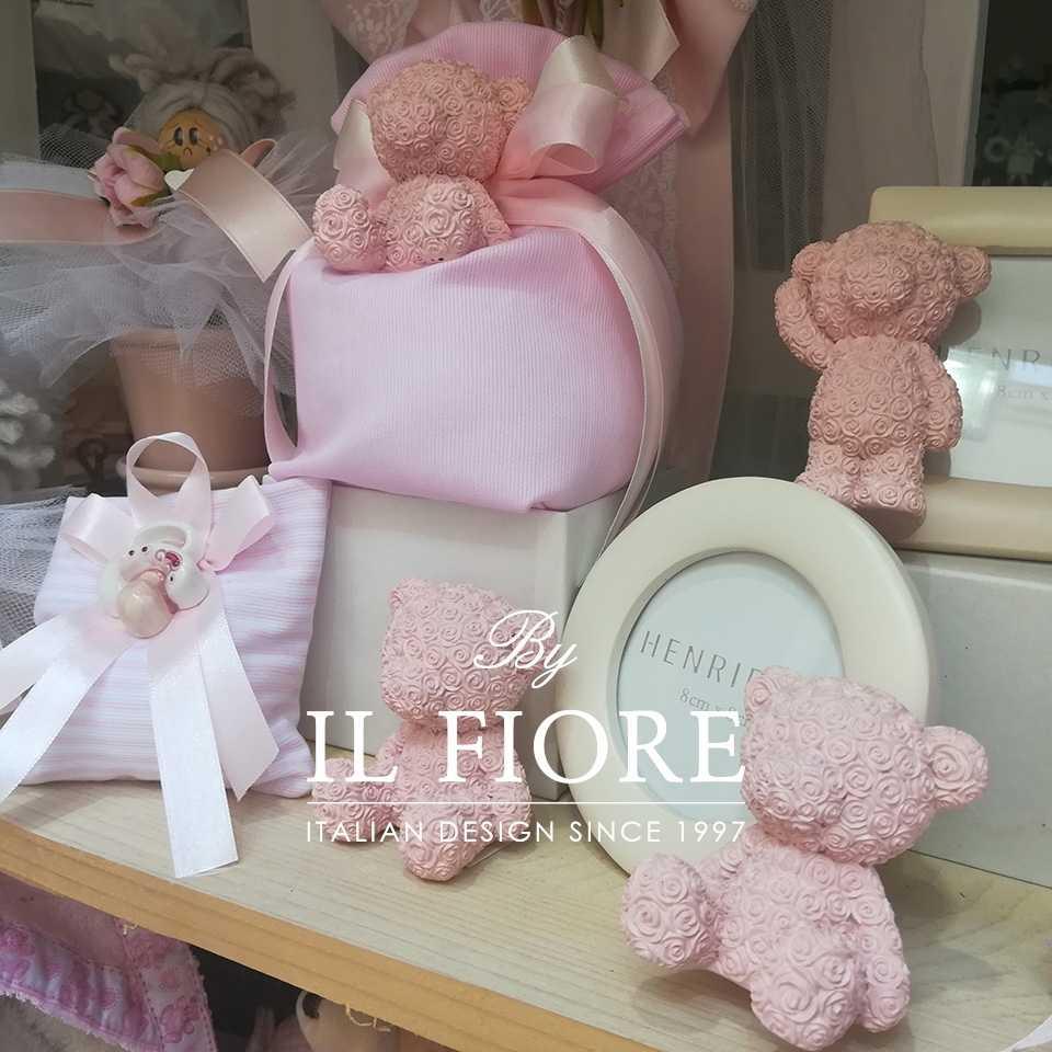 Bomboniere Battesimo Scarpette bebè Scarpette bebè Il nostro negozio di Bomboniere e articoli da regalo a Montesilvano (PESCARA) Corso Umberto, 218 Abruzzo