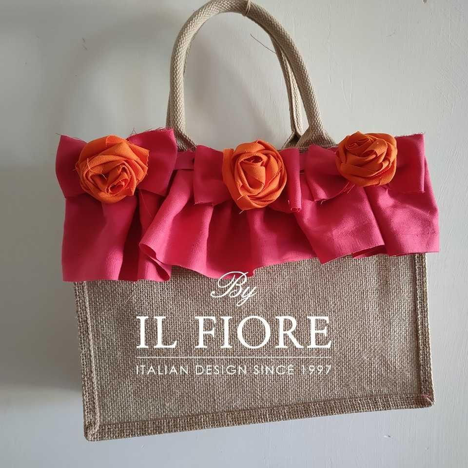 Collezione Moda Borse e cappelli Borse donna con fiori di stoffa e volant fucsia Bag donna
