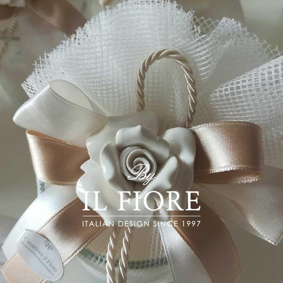 Bomboniera utile candela Comunione,  Matrimonio e Cresima con rosa in Ceramica Vista Bomboniera Blue Parfum
