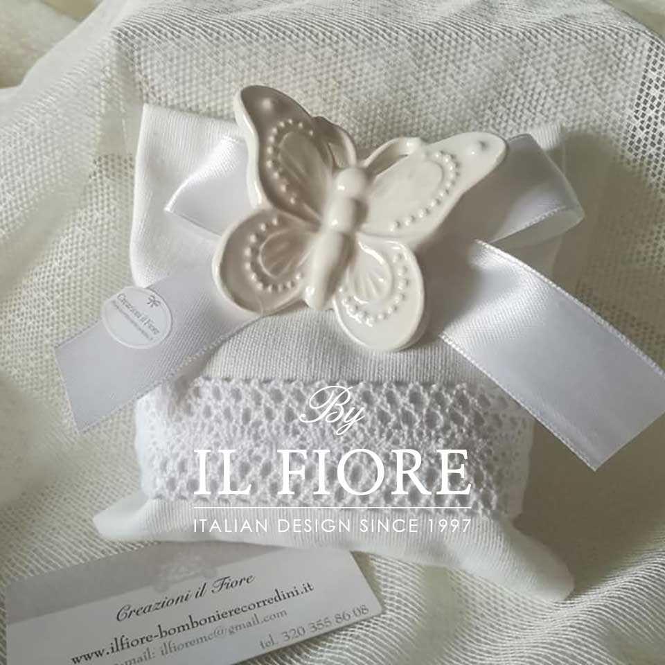 Bomboniere matrimonio sacchetto portaconfetti con farfalla in ceramica e merletto